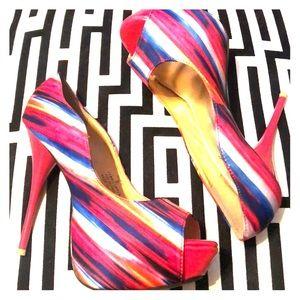 Brand new, fuschia platform heels from deb